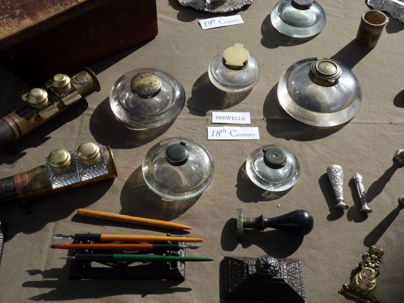 Inkwells and other writing implements from the 18th and 19th century